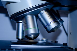 Research microscope / Pixabay